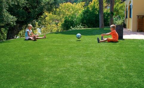 Pasto artificial para ni os for Tipos de cesped natural para jardin