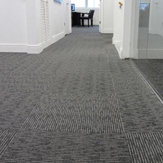 Alfombra para oficinas for Todo tipo de alfombras